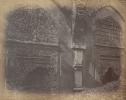 Blind arches with sculptured niches on the façade of the Dasbari Mosque, Gaur. 100399